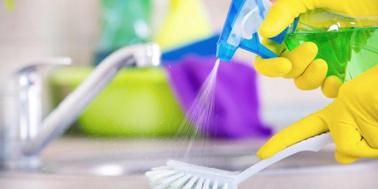 Anvisa alerta sobre aumento de intoxicação por produtos de limpeza