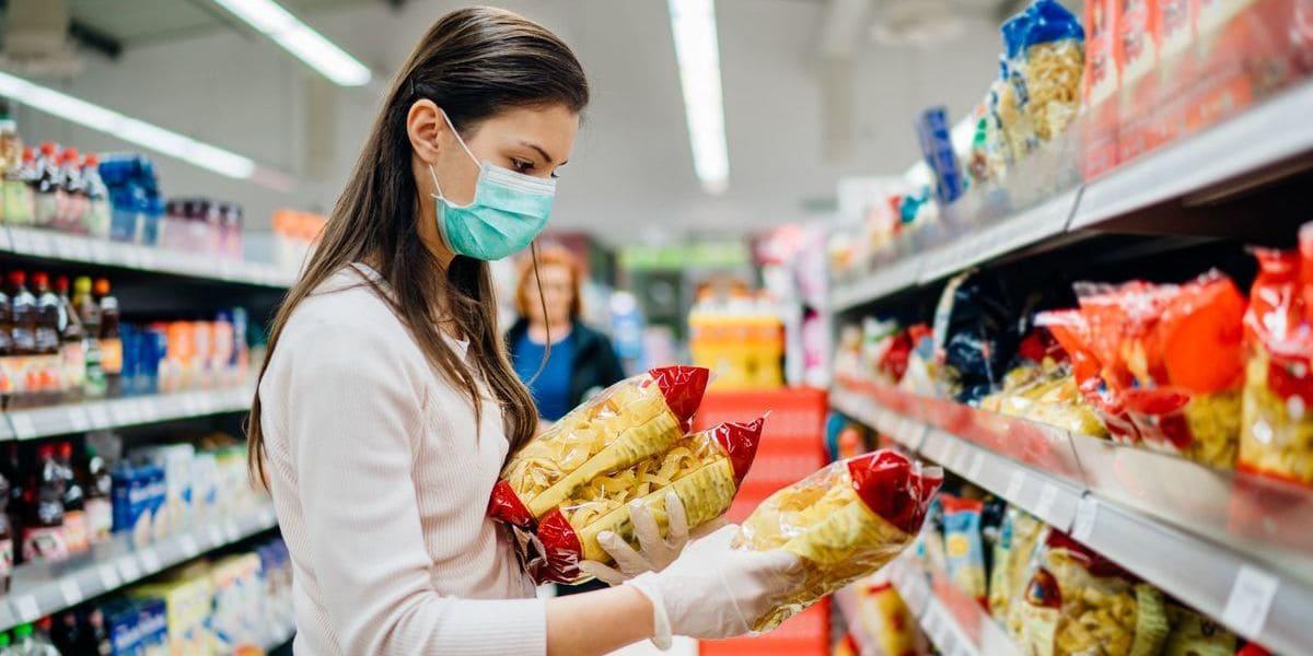 O retrato do consumo brasileiro após um ano de pandemia